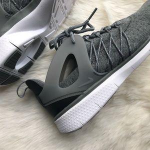 Nike WMNS Free Viritous TP 7.5
